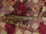 саксофон-альт и мундштук